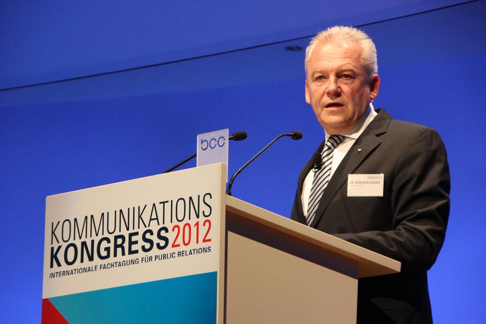 Bahnchef Dr. Rüdiger Grube auf dem Kommunikationskongress 2012