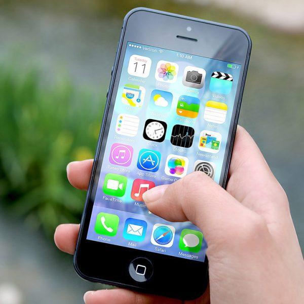 pixabay JESHOOTS iphone smartphone apps messenger